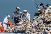 Floride : 24 morts dans l'immeuble effondré, le reste du bâtiment bientôt détruit