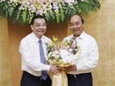 Le PM ratifie la nomination du président et des vice-présidents du Comité populaire de Hanoï
