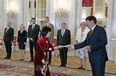 Le président hongrois félicite le Vietnam pour ses réalisations en matière de développement