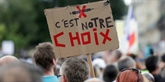 En plein été, la mobilisation contre le pass sanitaire ne faiblit pas en France