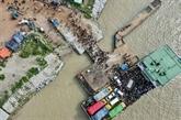 Bangladesh : malgré la pandémie, les ouvriers se ruent au travail
