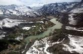 Extrême-Orient russe : un hélicoptère s'écrase dans un lac, huit personnes présumées mortes