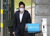 Libération conditionnelle du patron de facto de Samsung