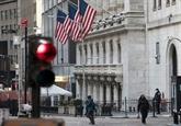 Wall Street redescend de ses sommets, inquiète pour la reprise