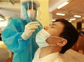 Hanoï effectue des tests de dépistage PCR sur 13 groupes à risque élevé