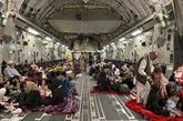 Les États-Unis s'entretiennent avec les talibans sur une éventuelle prolongation de l'évacuation