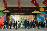 Les Galeries Lafayette veulent faire passer 11 magasins en franchise