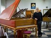 Les pianos du restaurateur de Sa Majesté à vendre
