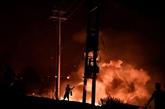 Grèce : des villages entourés par les flammes sur l'île d'Eubée