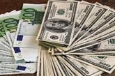 Monnaies : l'euro stable face au dollar, la livre monte