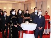 Célébrer la Fête nationale suisse et l'anniversaire des relations Vietnam - Suisse