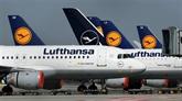 Lufthansa divise par deux sa perte nette au deuxième trimestre