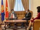 L'ambassadeur lao en France félicite la Fête nationale du Vietnam