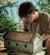 Un jeune hanoïen recrée en miniature le patrimoine architectural du Nord