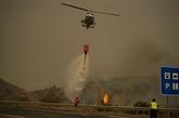 Feu de forêt en Espagne : un pompier mort, un millier de personnes évacuées