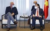 Le président de l'AN, Vuong Dinh Huê, rencontre le président du Parti du travail de Belgique