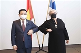 Entretien entre les chefs des organes législatifs vietnamien et finlandais