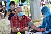 Vaccination pour des résidents étrangers à Hô Chi Minh-Ville