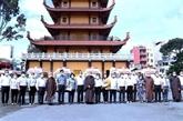 L'antenne de la Sangha bouddhiste du Vietnam à HCM-Ville offre des ambulances aux hôpitaux au Sud