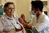 France : la 3e dose de vaccin arrive dans les maisons de retraite
