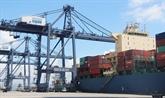 Quang Ninh : un navire d'un tonnage de plus de 50.000 tonnes mouille au port de Cai Lân