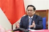 Pham Minh Chinh s'entretient au téléphone avec Sebastian Kurz