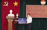 La vice-présidente vietnamienne remet des dons à An Giang