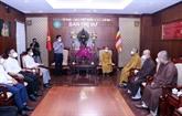 Hô Chi Minh-Ville : le Comité des affaires religieuses du gouvernement travaille avec des dignitaires religieux