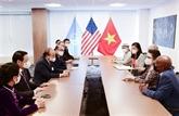 Le président Nguyên Xuân Phuc reçoit des amis américains