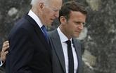 Sous-marins : Macron et Biden tentent un
