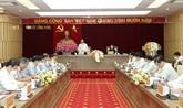 Le permanent du secrétariat du Parti, Vo Van Thuong, travaille avec Vinh Phuc