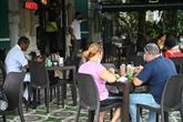Les terrasses de La Havane revivent après neuf mois de fermeture