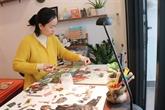 Avec du papier recyclé, elle crée de jolies mosaïques