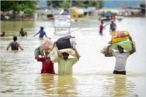 De fortes inondations à Allahabad en Inde ont entraîné lévacuation de habitants