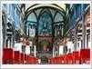 D'une superficie de plus de 700 m², l'église arbore des décorations sculptées en bois précieux.