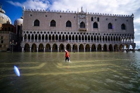 LItalie décrète létat durgence à Venise après une inondation historique
