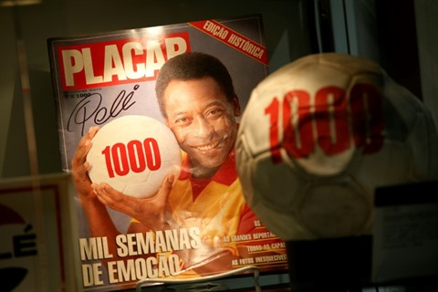 O milésimo ou lhistoire du millième but de Pelé