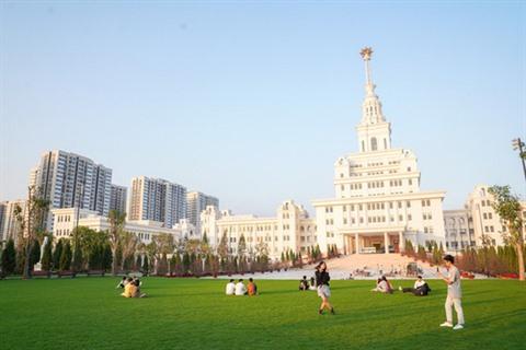 Forbes salue VinUniversity la première école privée à but non lucratif au Vietnam