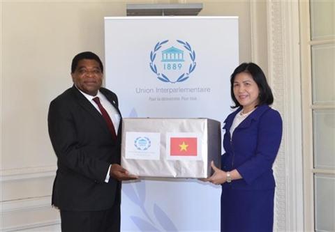 Le Vietnam offre des masques médicaux au Secrétariat de lUIP et à la ville de New York