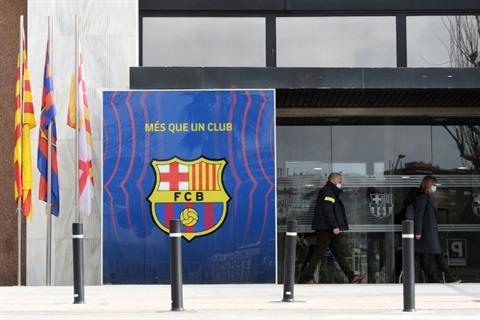 Foot  lex-président du Barça arrêté le siège du club perquisitionné