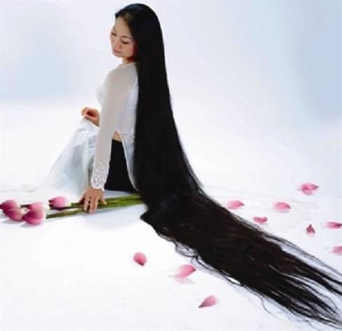 Femme avec les plus long cheveux du monde coiffures for Coupe avec cheveux en arriere site m jeuxvideo com