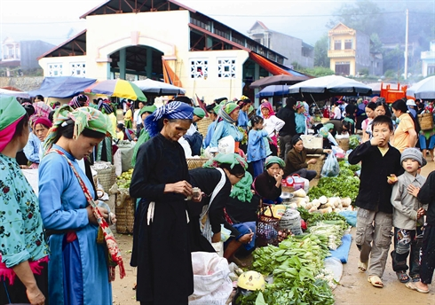 Le marché est une véritable fête pour les habitants locaux.