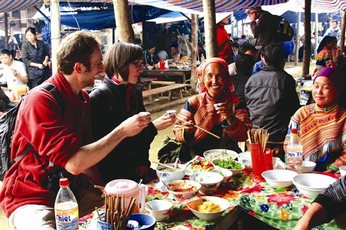 La dégustation de plats traditionnels, une des activités préférées des montagnards.
