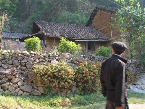 Une ancienne maison à Dông Van