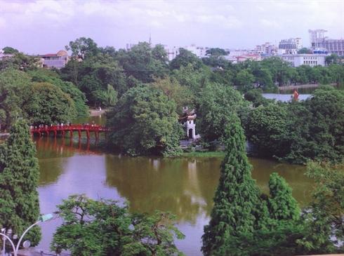 e temple de Ngoc Son, dans la partie nord du lac Hoàn Kiêm.