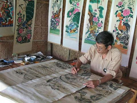 Un expert allemand aide le Vietnam à conserver des objets en papier