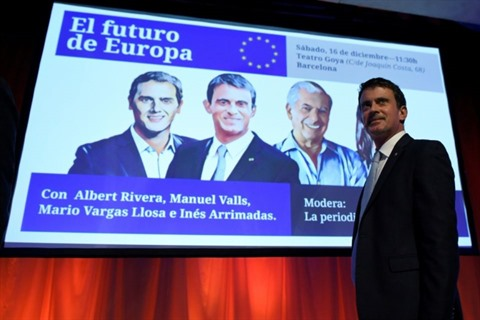 Valls, un ancien premier ministre français en campagne en Catalogne