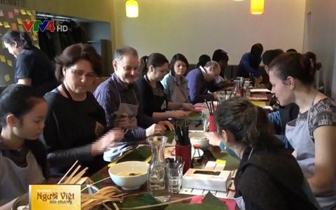 à Paris Un Restaurant Donne Des Cours De Cuisine Vietnamienne Le