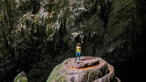 La chaîne de télévision britannique Dave a publié une liste des neuf premières destinations de grandes aventures du monde, où la grotte Son Doong se classe 5e.