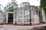 Coup de lifting pour le palais des glaces du parc Thông Nhât